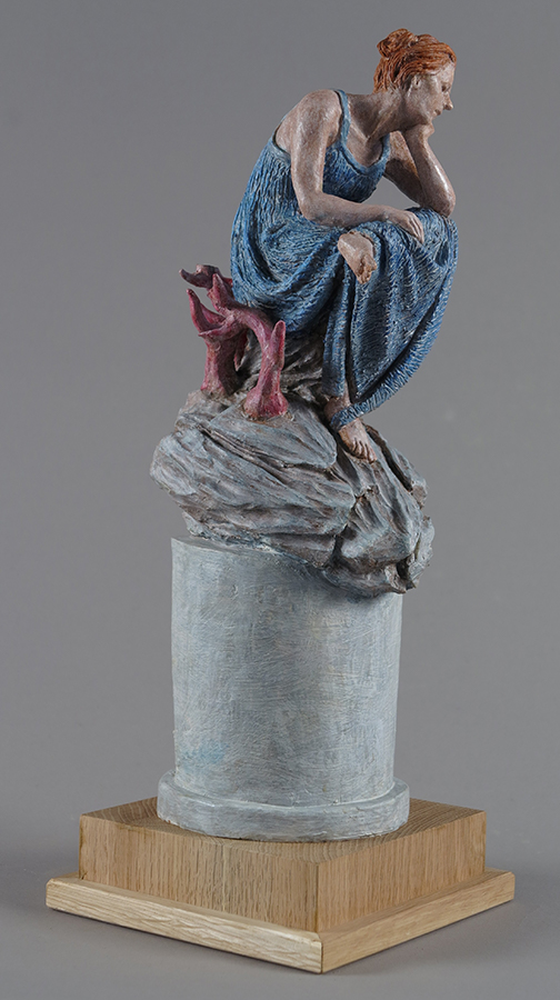 Piccola regina di cuori, Terracotta dipinta, 2018, alt. cm 42
