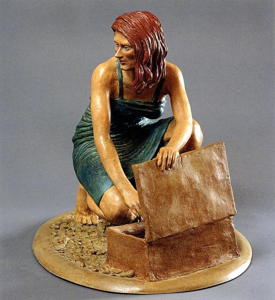 PREPARATIVI PER LA VILLEGGIATURA 2005, Bronzo dipinto, h 33 cm Collezione privata
