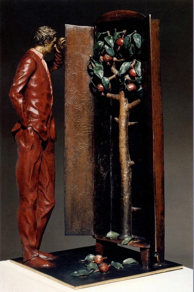 UOMO E MELOGRANI 2001, Bronzo dipinto, h 80 cm Collezione privata